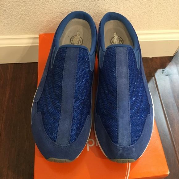 00d3d8b283b2f7 Easy Spirit Shoes   Traveltime Shimmer Slip On   Poshmark